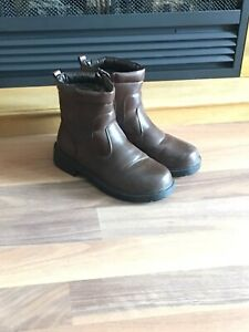 Men's Winter Boots - Size 9