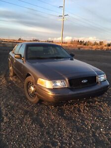 2007 Crown Victoria P71, 2 sets of tires