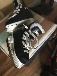 Size 11 Toddler skates