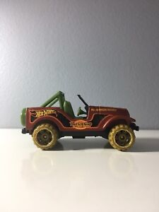 2015 Hot Wheels Road Trippin Roll Patrol Jeep CJ-7