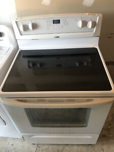 WHITE WHIRLPOOL STOVE FOR SALE MINT CONDITION
