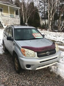 2004 Toyota RAV4 VUS - Super condition