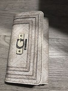 Guess Wallet - light pink monogram.