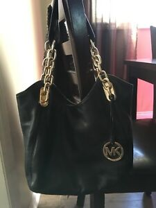 Leather Michael kors purse and wallet