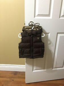 Vest with removable hood 12-18 months