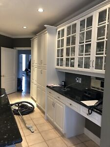 Used custom kitchen with granite Countertops