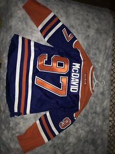 Connor McDavid rookie jersey