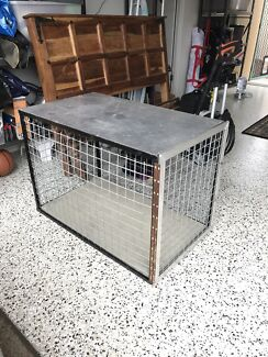 Dog cage/carrier, good for utes
