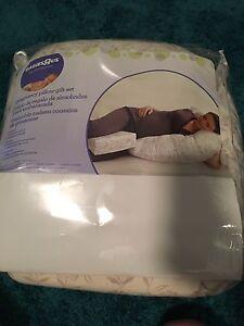 Pregnancy/Feeding Pillow Thornton Maitland Area Preview