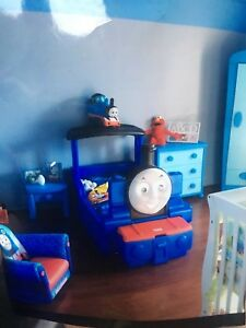 Lit d'appoint Thomas le train avec mobilier