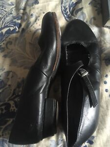 Heeled tap shoes