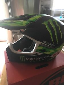 Bell monster energy helmet
