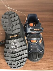 Geox boys shoes 10,5 new