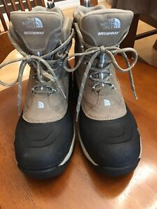 Size 10 The North Face Winter Boots