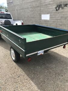 Utility Trailer comes with brand new magnetic lights $400