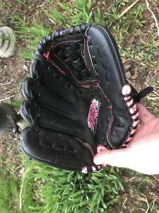 Worth leather Baseball glove, childs right hand size 10.5
