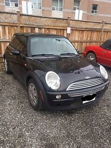 Mini Cooper 2004 black as is