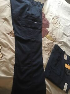 New men's cargo style work pants, size 30/30