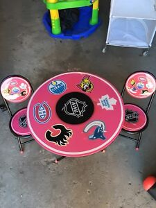 NHL Table and two matching chair