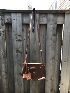 Small roots purse
