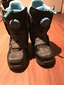 Used snowboard boots