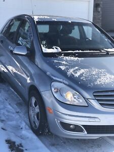 2006 Mercedes B200 mint condition for sale $4000 firm.