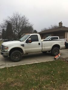 Ford F-350 Diesel Low Km's