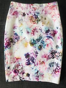 Ladies floral pencil skirt Highfields Toowoomba Surrounds Preview