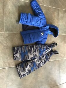 Boys size 3T snowsuit