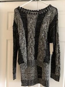 Ladies sweater new with tags from the bay size small