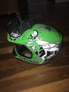 Brand new kids motorcycle helmet size m with googles