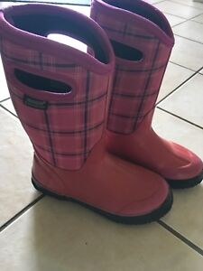 Girls Bogs youth winter boots
