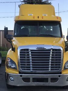 2012 Freightliner DAY CAB Cascadia
