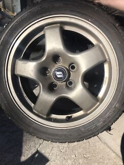 R32 gts-t skyline wheels