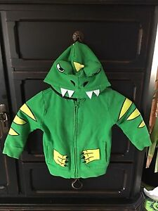 Boys Size 3T dragon sweater