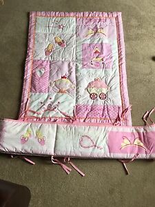 Princess crib/toddler bed quilt and bumper pad