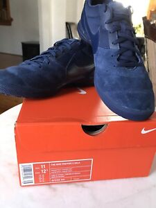 Nike tiempo sala indoor soccer or casual shoes size 10/11