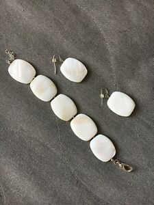 Mother of pearl bracelet and earring set