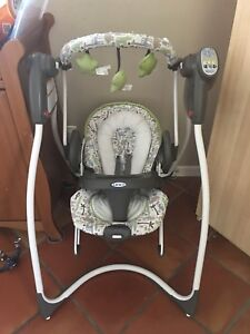 Amazing Deal! Graco Duo Swing & Bouncy chair