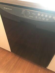 Lave vaisselle marque frigidaire noir