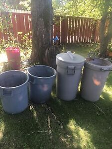 4 Rubbermaid containers.