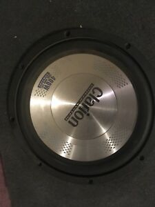 "Clarion 10"" 400w subs amp box"