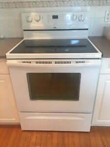 Whirlpool Gold Electric Stove(pending 5:00pm Wednesday)