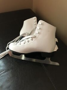 Girls Skates in brand new condition  Size 1 Juniors