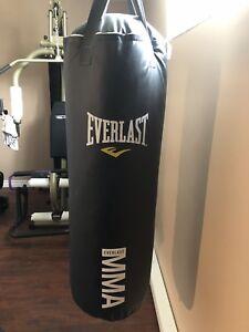 Sac d'entraînement ( punching bag)