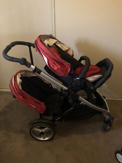 Strider compact with second seat and bassinet