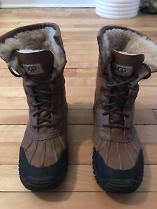 Ugg Adirondack boots woman's size 9