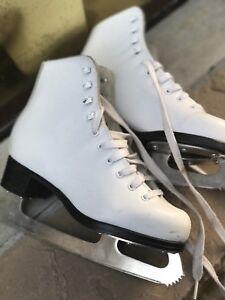 Girls figure skates --high quality