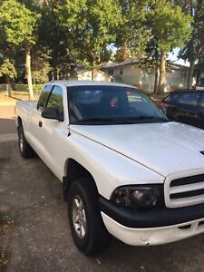 2001 Dodge Dakota 3.9L V6 $1000 O.B.O