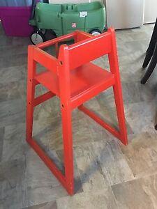 Chaise haute en bois style Vintage